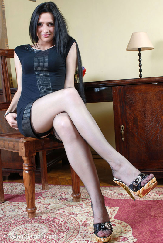 A teasing lady is a lady in control - 1 6