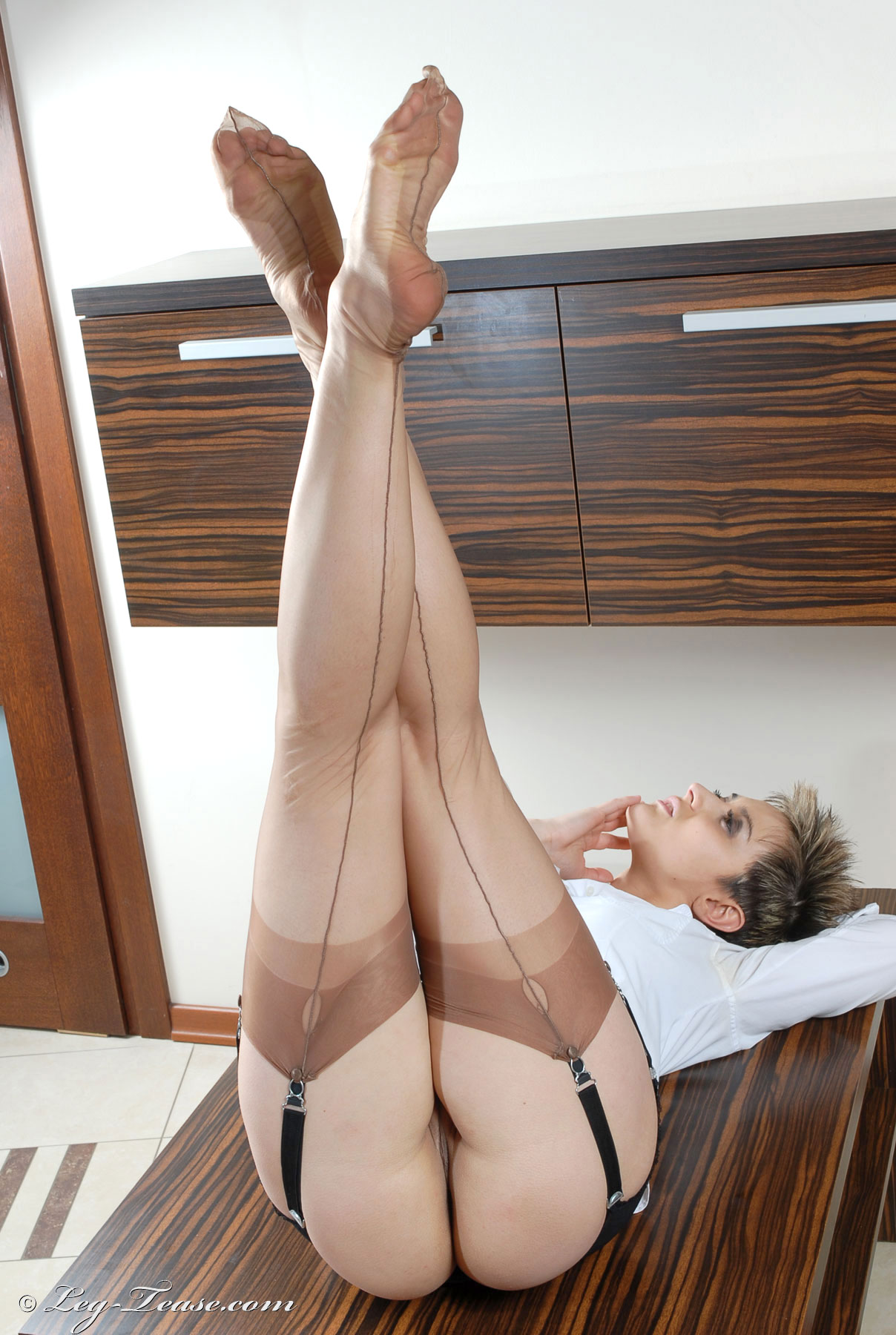 Sexy Leg Tease 89